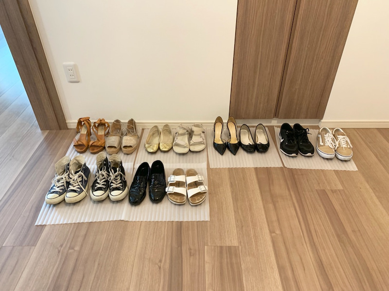 ミニマリストの靴の画像