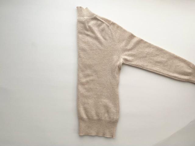 ハンガー セーター セーターのハンガー特集!型崩れを防ぐかけ方や跡をつけないコツを紹介